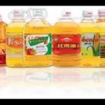 auto 5L Vegetable oil inline filling cap pressing and adhesive sticker two sided labeling machine
