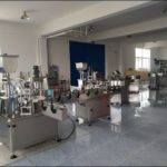 E-Liquid Filling Machines E-Juice bottle feed table filler plugger screw tightening labeling machine