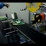automatic bag paging labeling machine video clip adhesive flat pouch label machinery